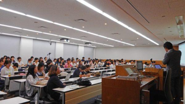 立教大学異文化コミュニケーション学部で松田代表と森山執行役員が講演いたしました